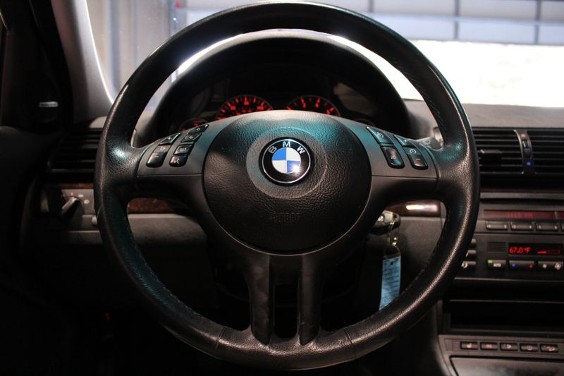 2003 BMW 330xi   Lake Forest IL  Executive Motor Carz  in Lake Forest, IL