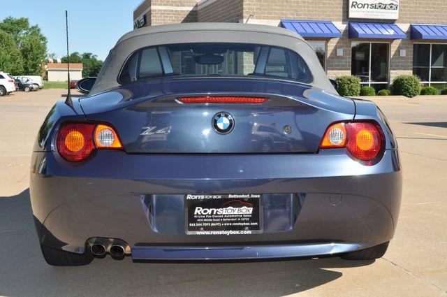 2003 BMW Z4 2.5i Bettendorf, Iowa 25