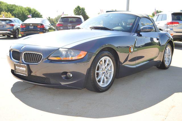 2003 BMW Z4 2.5i Bettendorf, Iowa 1