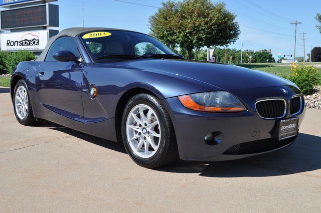 2003 BMW Z4 2.5i Bettendorf, Iowa 34