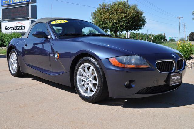 2003 BMW Z4 2.5i Bettendorf, Iowa 3