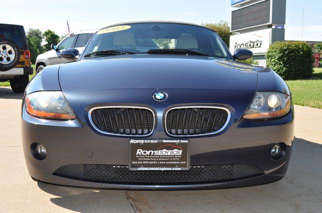 2003 BMW Z4 2.5i Bettendorf, Iowa 39