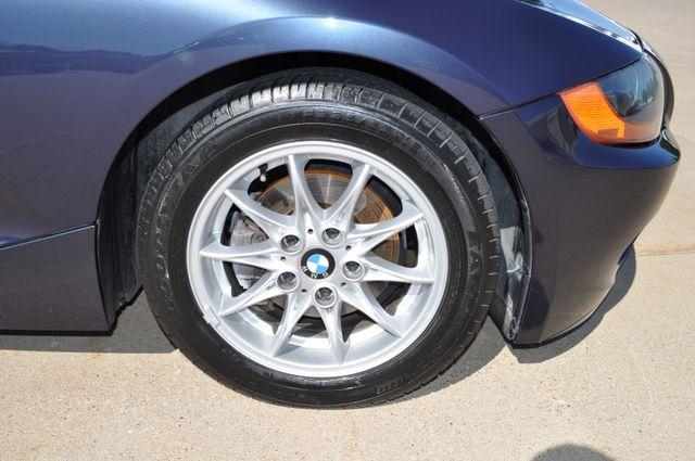 2003 BMW Z4 2.5i Bettendorf, Iowa 13