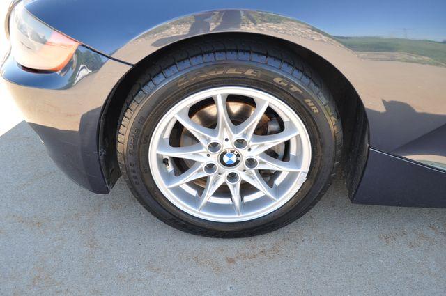 2003 BMW Z4 2.5i Bettendorf, Iowa 15
