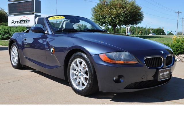 2003 BMW Z4 2.5i Bettendorf, Iowa 55