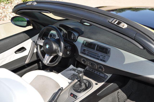 2003 BMW Z4 2.5i Bettendorf, Iowa 12