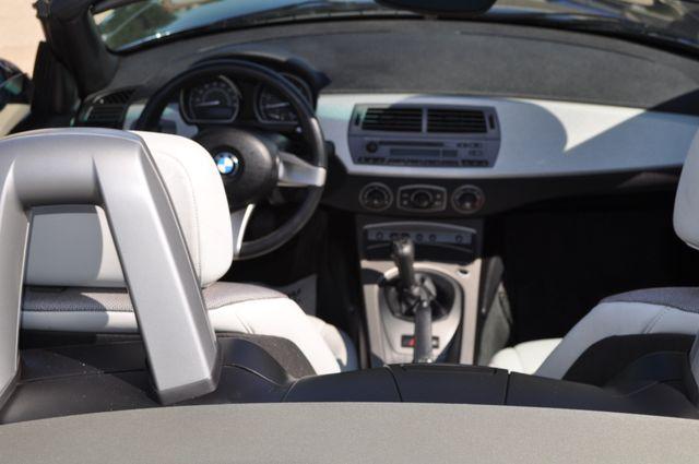 2003 BMW Z4 2.5i Bettendorf, Iowa 17
