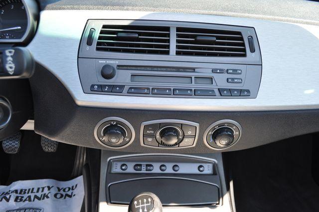 2003 BMW Z4 2.5i Bettendorf, Iowa 57