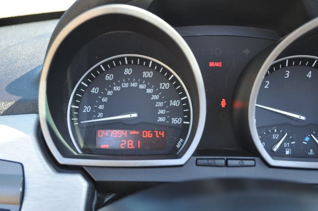 2003 BMW Z4 2.5i Bettendorf, Iowa 59