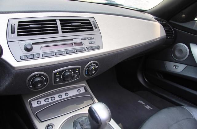 2003 BMW Z4 3.0i Santa Clarita, CA 15