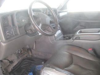 2003 Chevrolet Avalanche Gardena, California 4