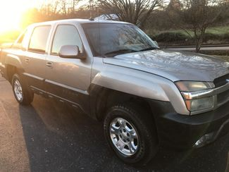 2003 Chevrolet-Our Sales Rep'S Truck! Avalanche-$5995! BUY HERE PAY HERE! 1500 North Face Knoxville, Tennessee 17