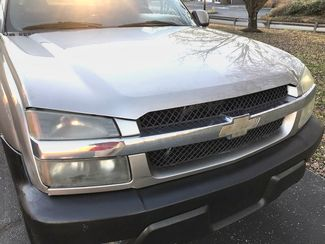 2003 Chevrolet-Our Sales Rep'S Truck! Avalanche-$5995! BUY HERE PAY HERE! 1500 North Face Knoxville, Tennessee 1