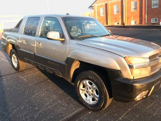 2003 Chevrolet-Our Sales Rep'S Truck! Avalanche-$5995! BUY HERE PAY HERE! 1500 North Face Knoxville, Tennessee 2
