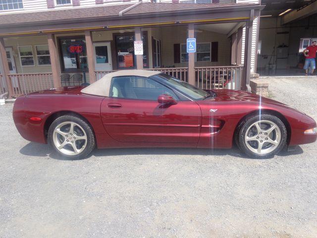 2003 Chevrolet Corvette 50th Anniversary Hoosick Falls, New York 2