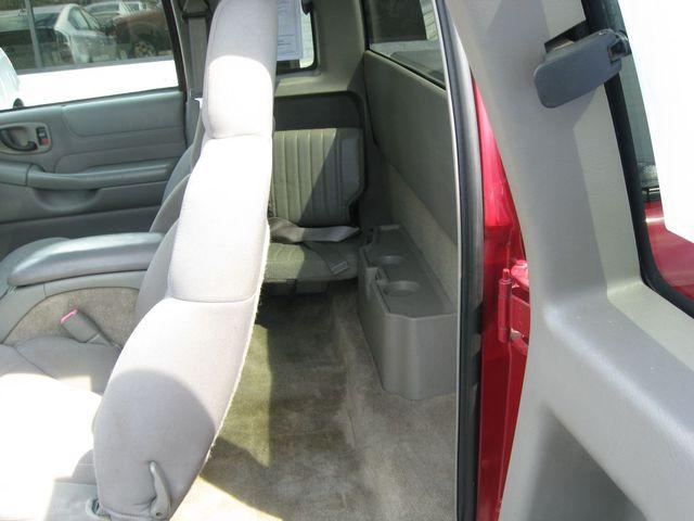 2003 Chevrolet S-10 4X4 LS Richmond, Virginia 12