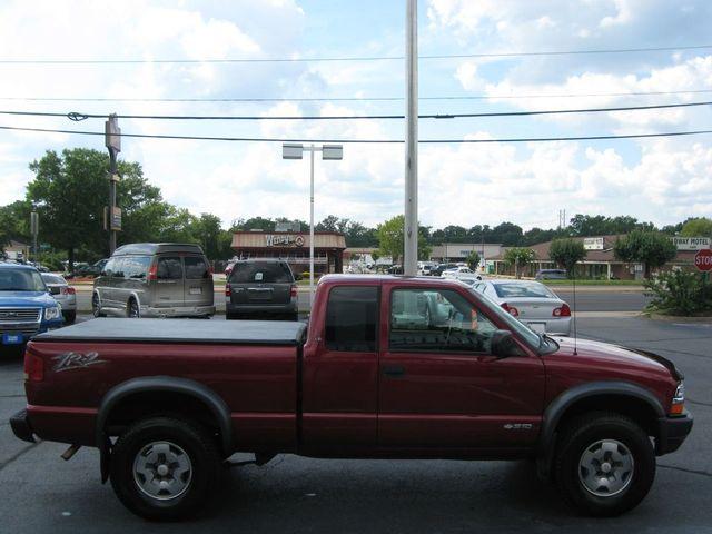 2003 Chevrolet S-10 4X4 LS Richmond, Virginia 4