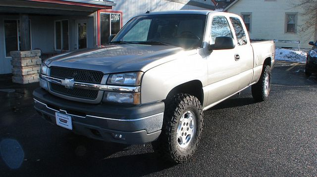 2003 Chevrolet Silverado 1500 LS in Coal Valley, IL 61240