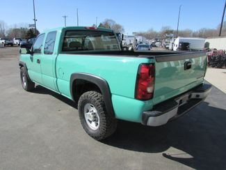 2003 Chevrolet 2500 4x4 Ext-Cab Short Box Pickup   St Cloud MN  NorthStar Truck Sales  in St Cloud, MN