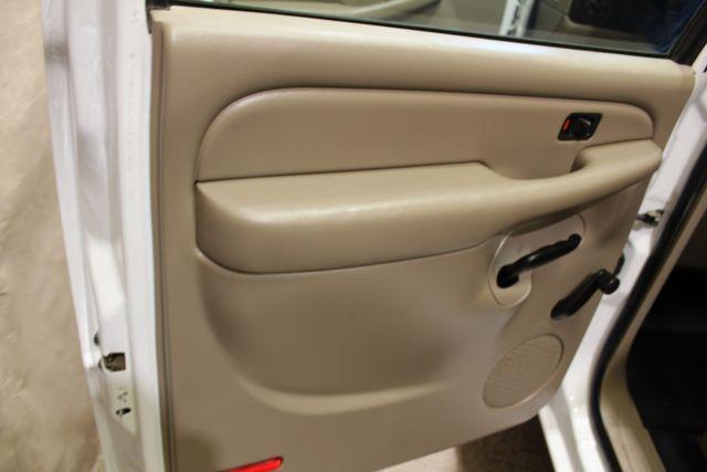 2003 Chevrolet Silverado 2500HD 8.1L 4x4 in Roscoe, IL 61073