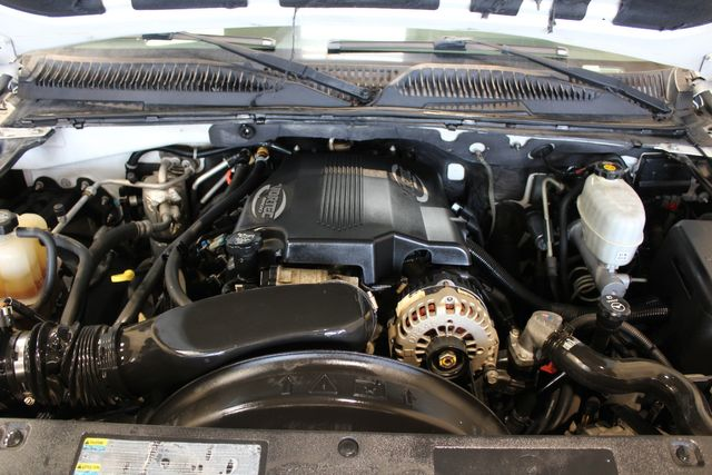2003 Chevrolet Suburban 4x4 2500 8.1L LT in Roscoe, IL 61073
