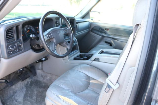 2003 Chevrolet Suburban LT Santa Clarita, CA 8