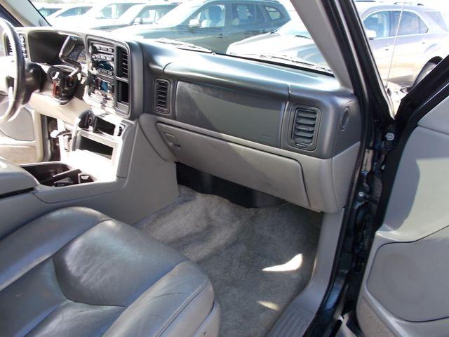 2003 Chevrolet Suburban LT Shelbyville, TN 24