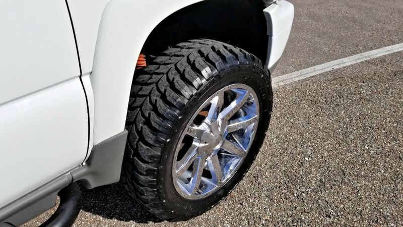 2003 Chevrolet Tahoe Z71 LIFTED 4X4 NEW 35s tires   Palmetto, FL   EA Motorsports in Palmetto, FL