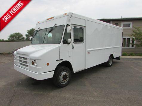 2003 Chevrolet Workhorse 18' Van Body  in St Cloud, MN