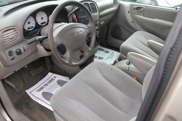 2003 Chrysler Town & Country EX Santa Clarita, CA 8