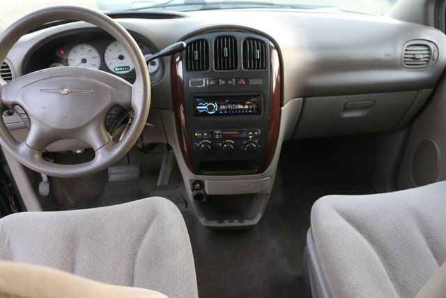 2003 Chrysler Town & Country Santa Clarita, CA 7