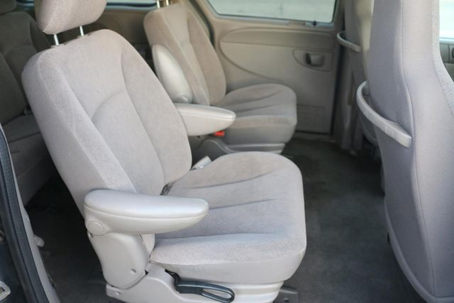 2003 Chrysler Town & Country Santa Clarita, CA 18