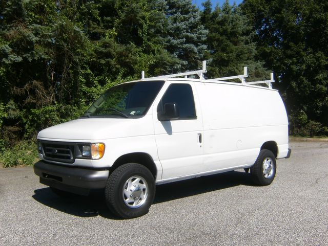2003 Ford E-350 Econoline Cargo Van in West Chester, PA 19382