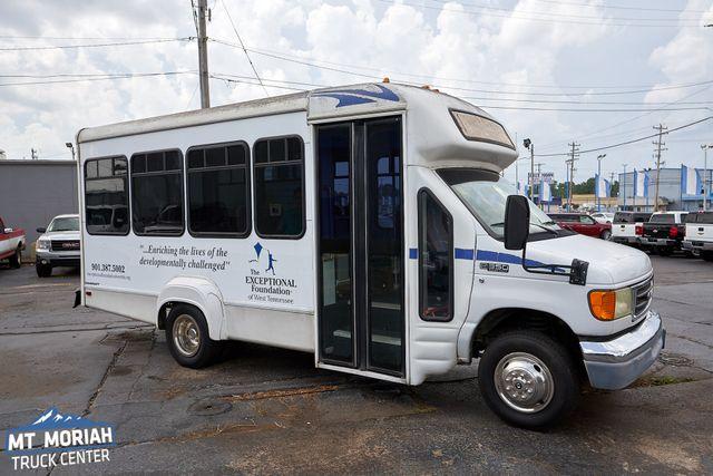 2003 Ford Econoline Passenger Bus Standard