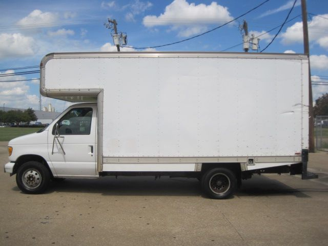 2003 Ford E350 Box Van, 1 Owner, Service History, Very Low Miles in Plano Texas, 75074
