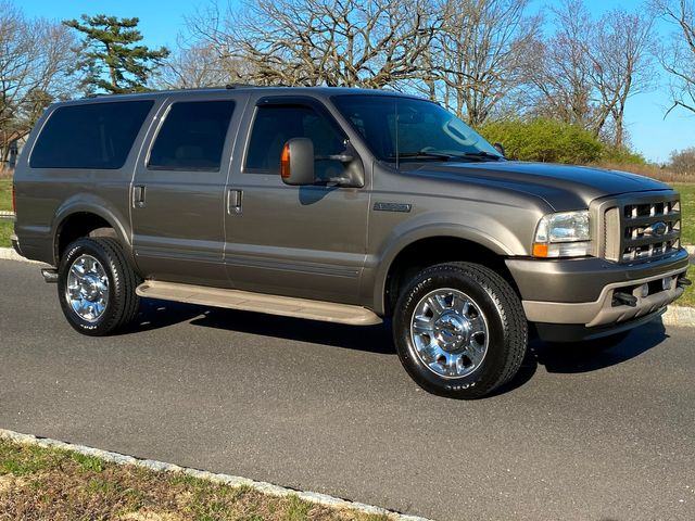 2003 Ford Excursion Limited 4X4 6.8L V10 EXCELLENT CONDITION in Woodbury, New Jersey 08093