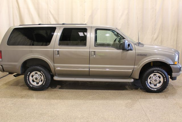 2003 Ford Excursion 4x4 7.3l Diesel Limited in Roscoe IL, 61073