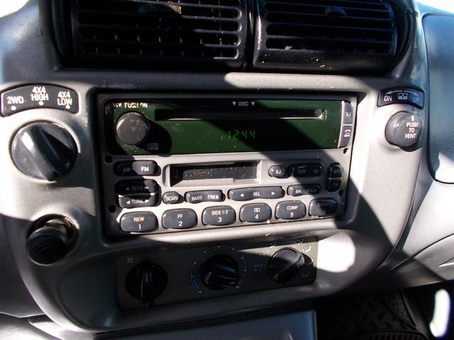 2003 Ford Explorer Sport Trac XLT Shelbyville, TN 25