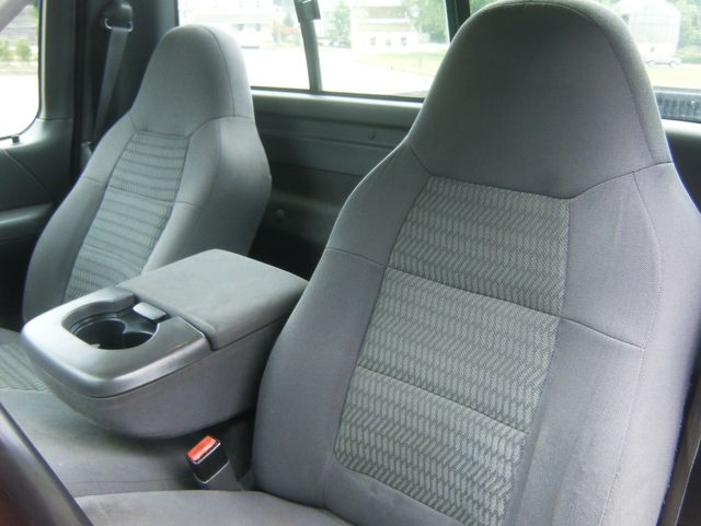 2003 Ford F-150 XL Short Bed 4WD in West Chester, PA 19382