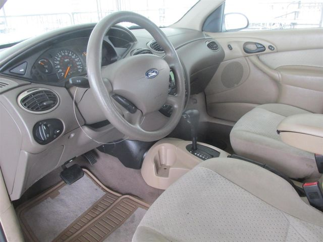 2003 Ford Focus SE Fleet Gardena, California 4
