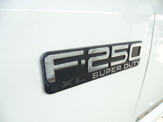 2003 Ford Super Duty F-250 XL Corpus Christi, Texas 9