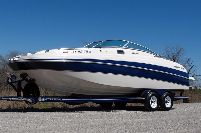 2003 Four Winns 264 FunShip * LOW HOURS * Super Nice
