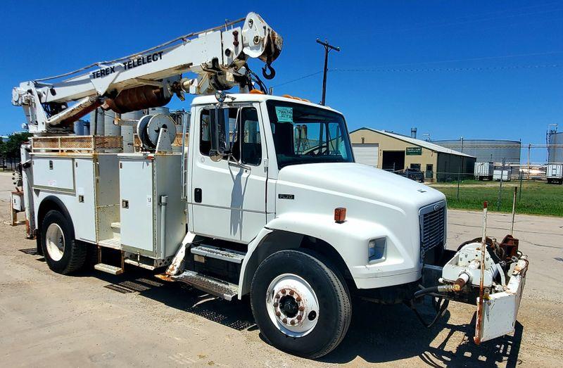 2003 Freightliner FL70 DIGGER DERRICK  TELELECT COMMANDER 4200  city TX  North Texas Equipment  in Fort Worth, TX