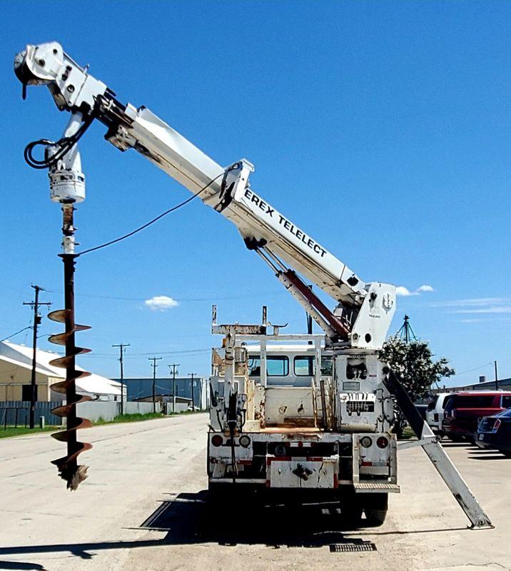 2003 Freightliner FL70 DIGGER DERRICK    city TX  North Texas Equipment  in Fort Worth, TX