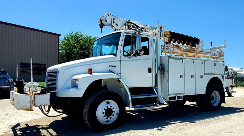 2003 Freightliner FL70 DIGGER DERRICK  TELELECT COMMANDER 4200  city TX  North Texas Equipment  in Fort Worth, TX