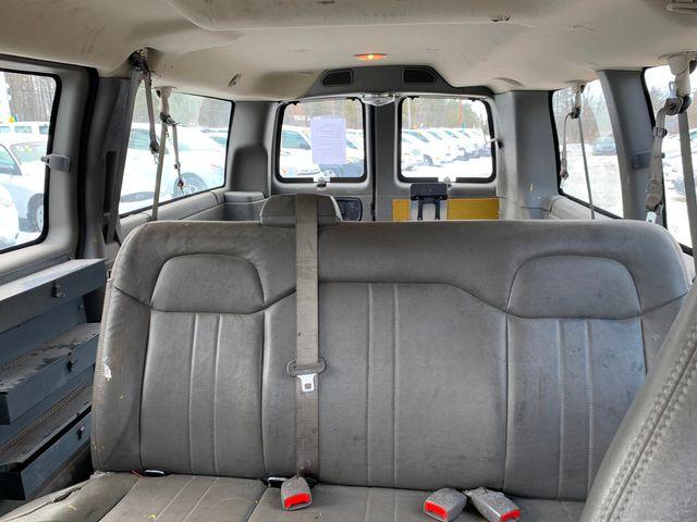 2003 GMC Savana Passenger Hoosick Falls, New York 6