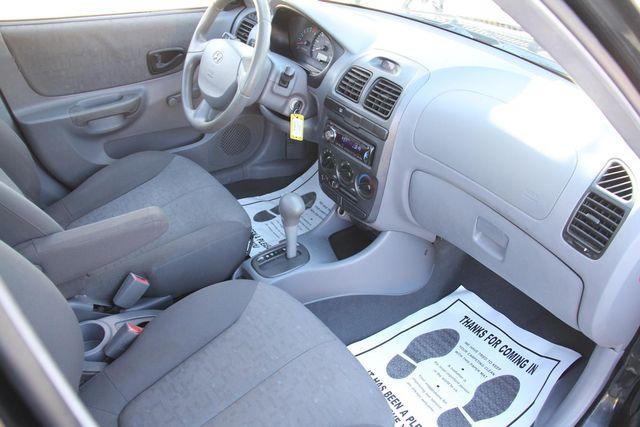 2003 Hyundai Accent GL Santa Clarita, CA 9