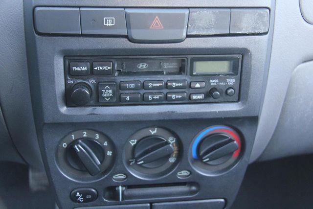 2003 Hyundai Accent Santa Clarita, CA 19