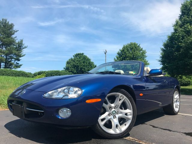 2003 Jaguar XK8 in Leesburg Virginia, 20175