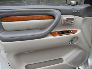 2003 Lexus LX 470 Chesterfield, Missouri 8